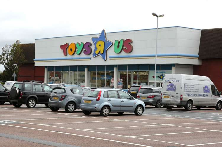 Closing Down Sale Begins At Toys R Us In Chatham Ahead Of Chain Closure