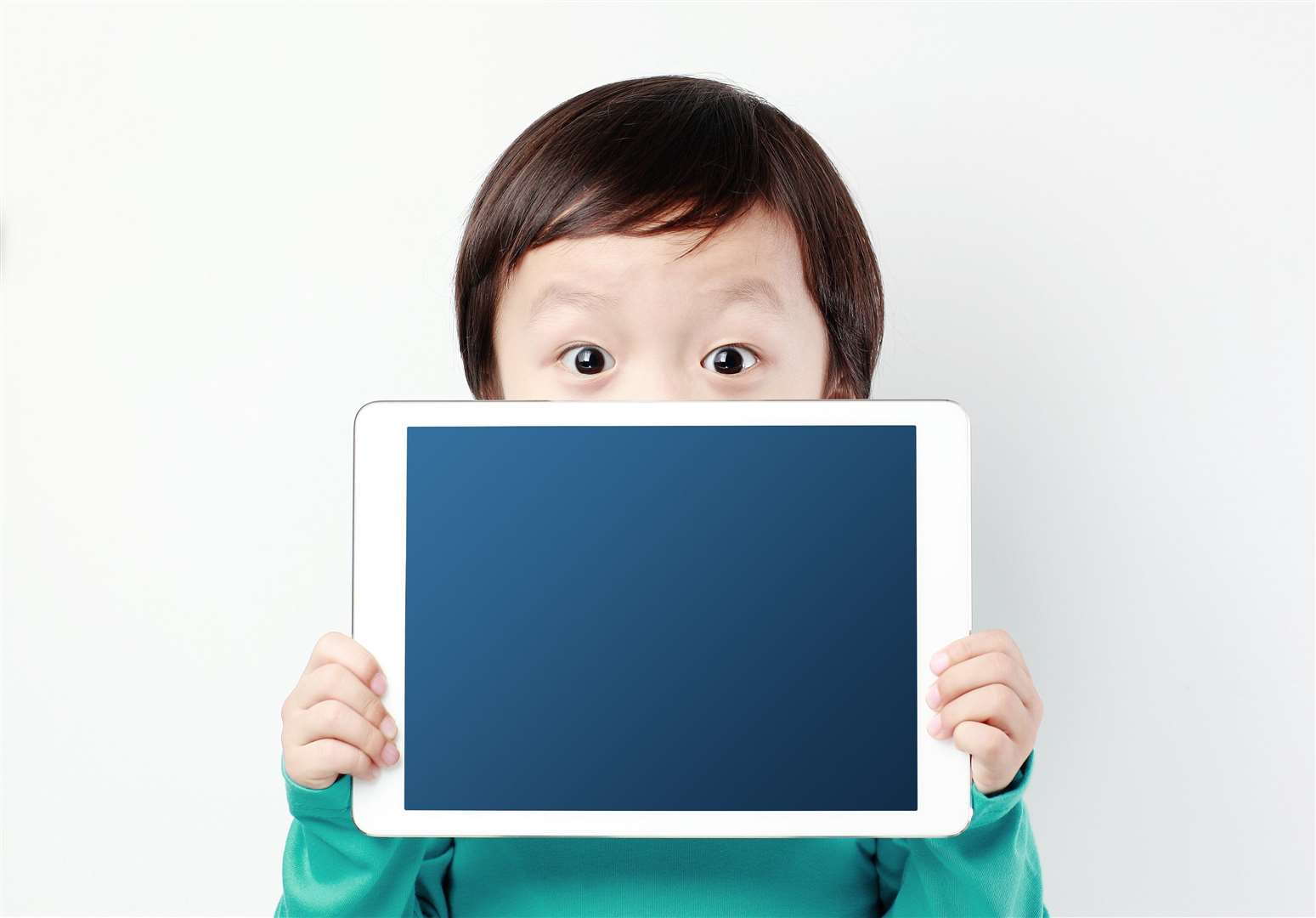 Encourage the kids to put the tablets down early