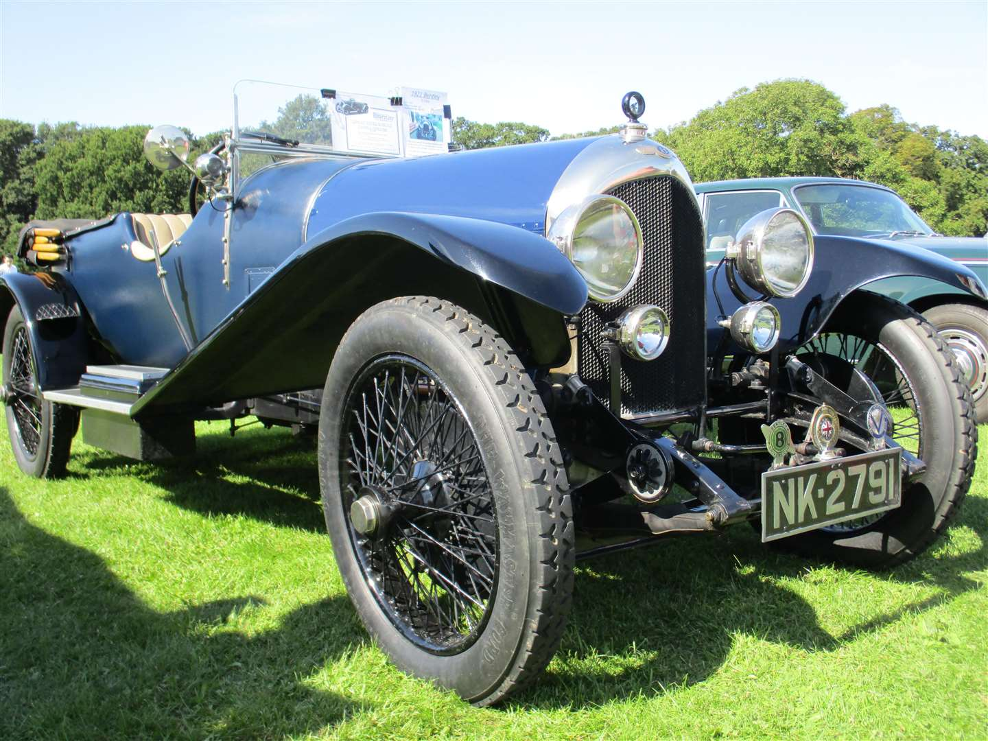Classic motor show at Groombridge Place