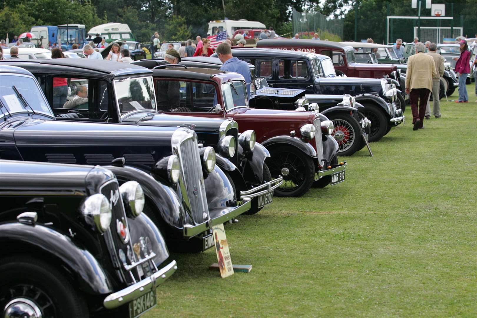 Recreation ground, Appledore. Appledore Vintage & Classic Car Rally. (2875162)